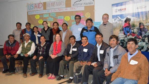 """Socios del proyecto """"Asegurando el Agua y los Medios de Vida en la Montaña"""" reunidos el 23 de julio de 2015"""