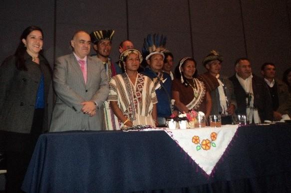 Los lideres de la Comunidad Cordillera Blanca participando de la presentación del Libro Lecciones de la Tierra