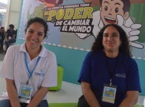 Izquierda a derecha, Mildred Agustín (Concytec) y Mirella Gallardo (Instituto de Montaña)
